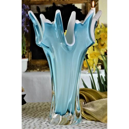 Váza hutné sklo, farba azúrová - opál, výška 320 mm